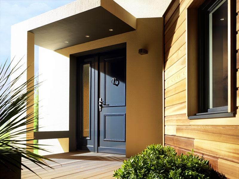Novedad puertas acorazadas forstyl para chalet y for Puertas para vivienda