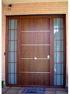 Puertas con 2 fijos lateral y reja