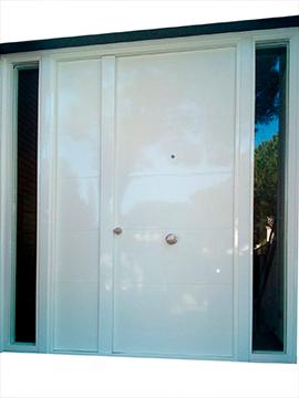 Puerta con dos fijos laterales cristal y opaco